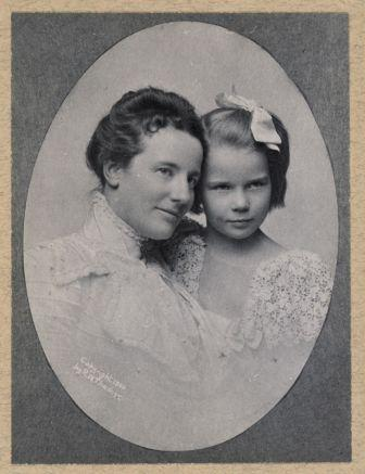 Edith and Ethel Roosevelt, circa 1900.